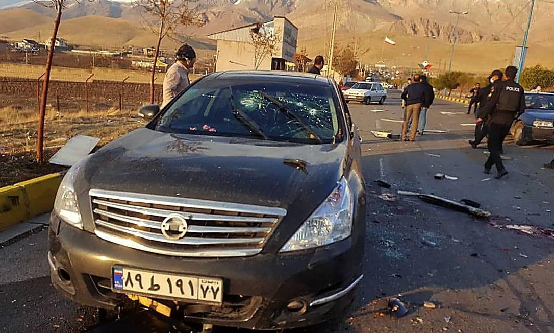Carro onde viajava o cientista nuclear Mohsen Fakhrizadeh, morto em um atentado nos arredores de Teerã Foto: - / AFP