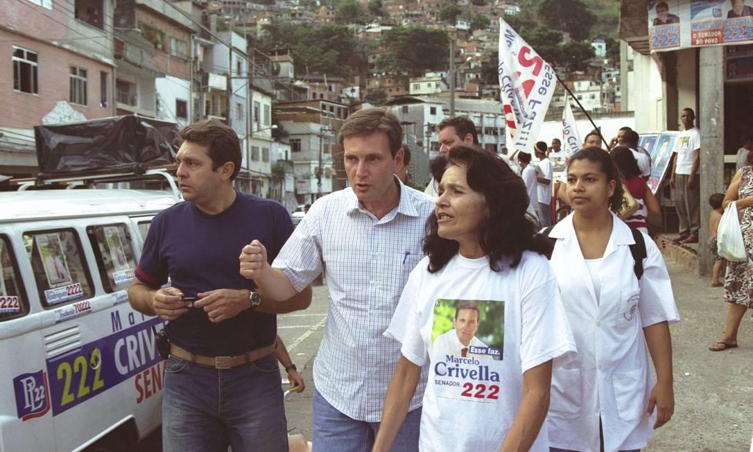 Campanha do candidato a senador, Bispo Marcelo Crivella, no morro do Borel Foto: Jorge William/Agência O Globo