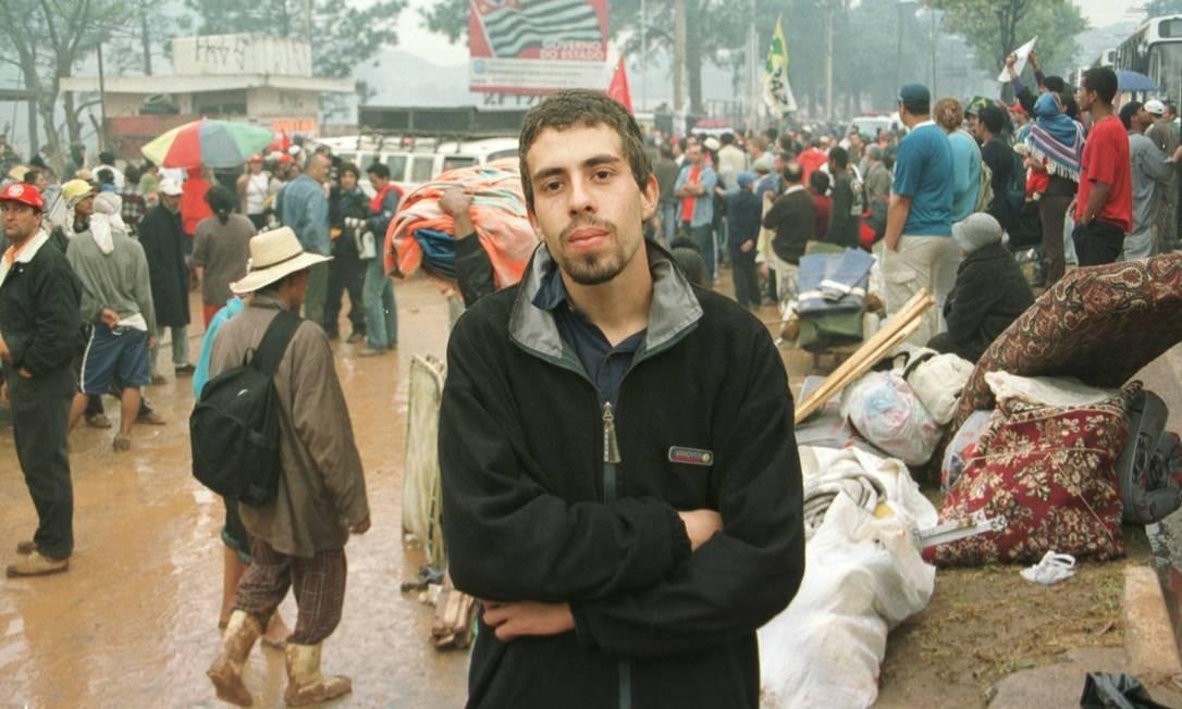 Guilherme Boulos durante manifestação contra reintegração de posse em São Bernardo do Campo Foto: Fernando Pereira