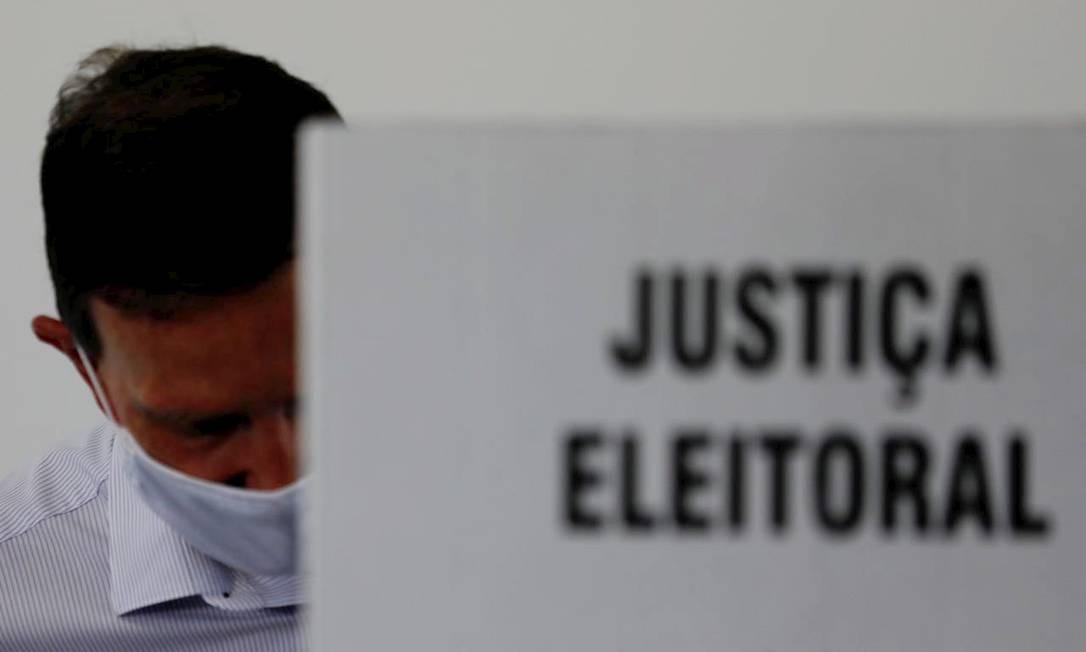 """Sobre a campanha, Crivella considerou o segundo turno """"eletrizante"""" e disse que nunca viu algo parecido nas últimas oito eleições nas quais participou Foto: Agência O Globo"""