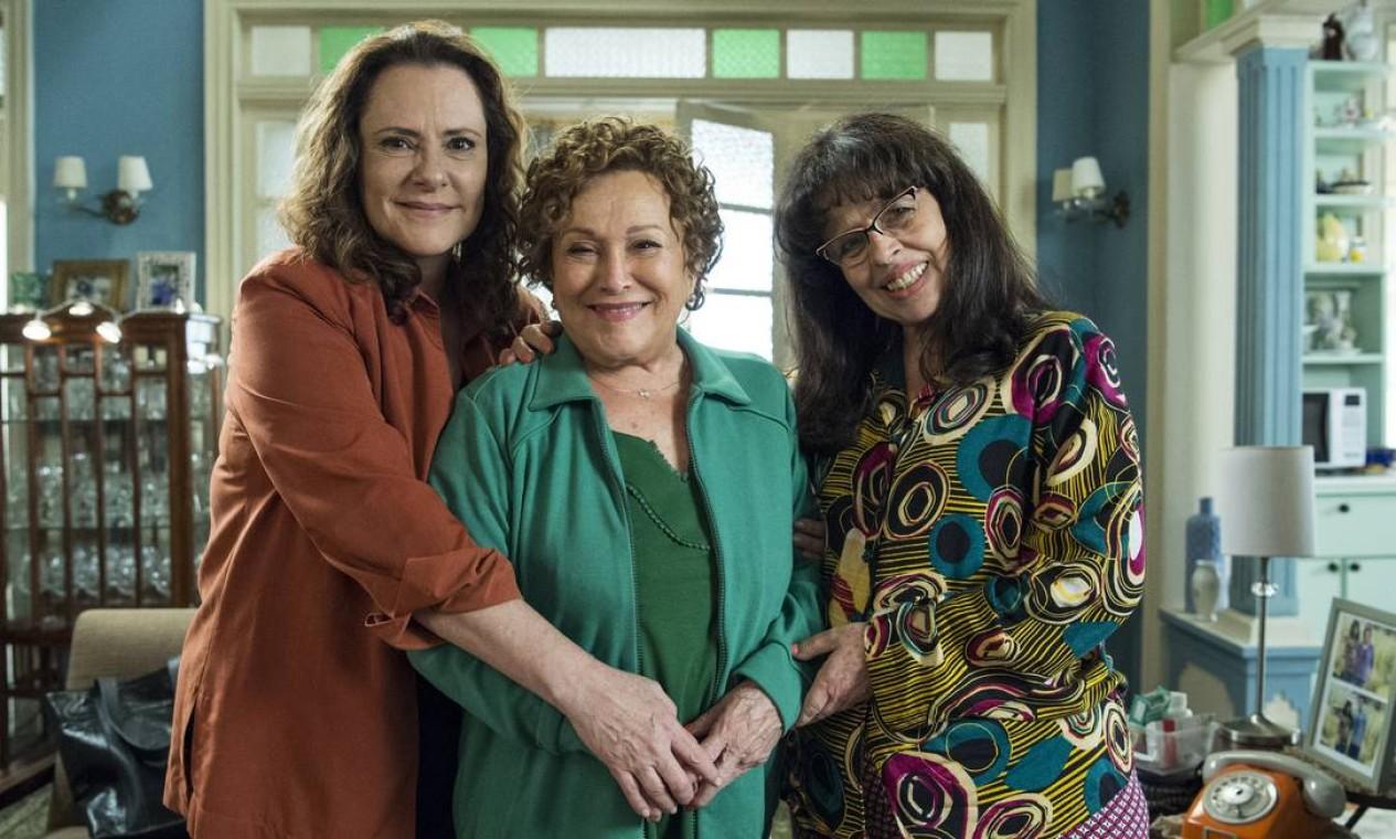 Elizabeth Savalla, Nicette Bruno e Cristina Pereira trabalharam juntas na novela Pega-pega, da TV Globo (2017-2018) Foto: Estevam Avellar