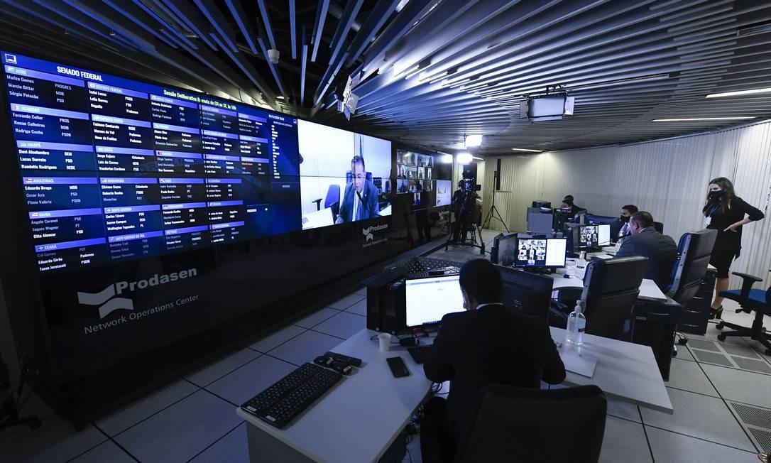 Senado aprova medidas em sessão virtual durante pandemia da Covid-19 Foto: Jefferson Rudy / Agência O Globo