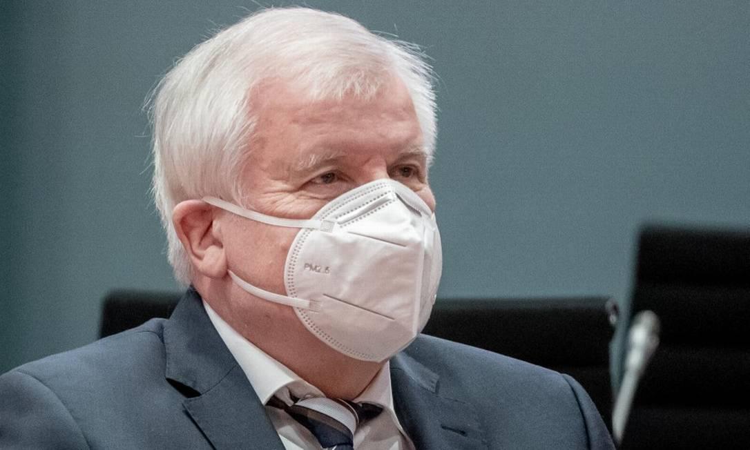 Ministro do Interior alemão, Horst Seehofer, durante reunião do Gabinete de governo em Berlim Foto: Michael Kappeler / via REUTERS / 18-11-2020