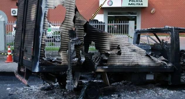 Evitamos confronto para salvar vidas': o que dizem PM e autoridades sobre  mega-assalto que sitiou Criciúma - Época