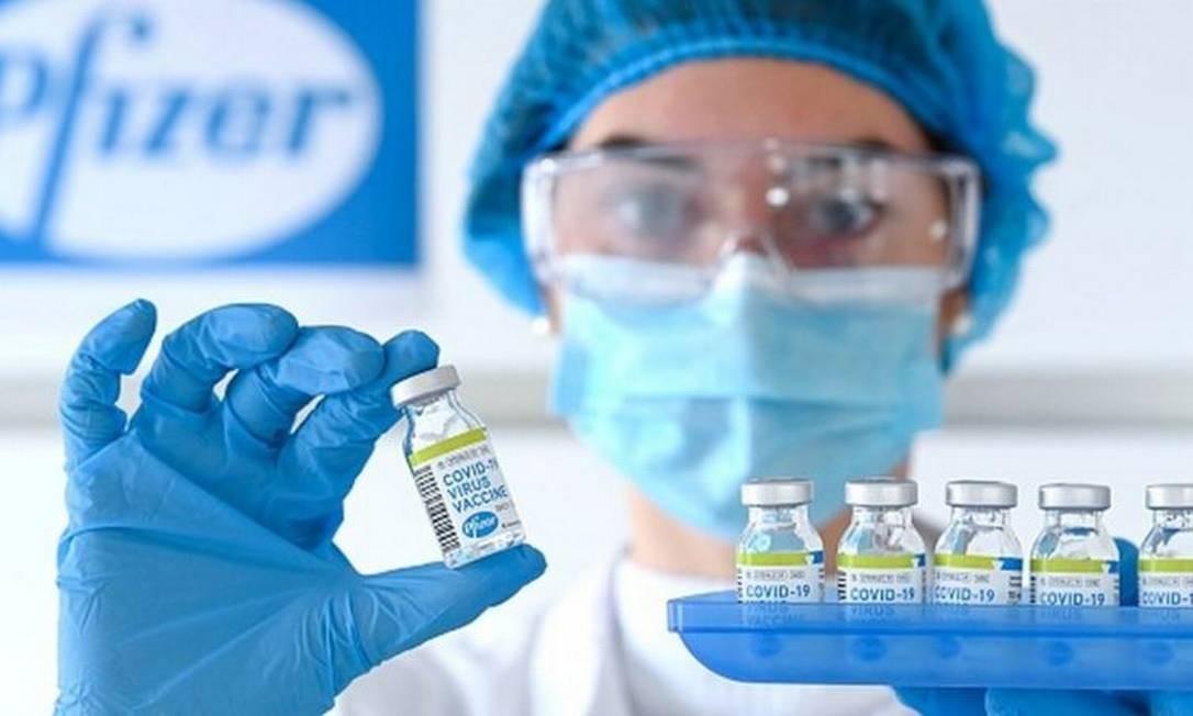 A vacina contra a covid-19 desenvolvida por Pfizer e BioNTech foi a primeira a conseguir a aprovação no mundo Foto: Photonews