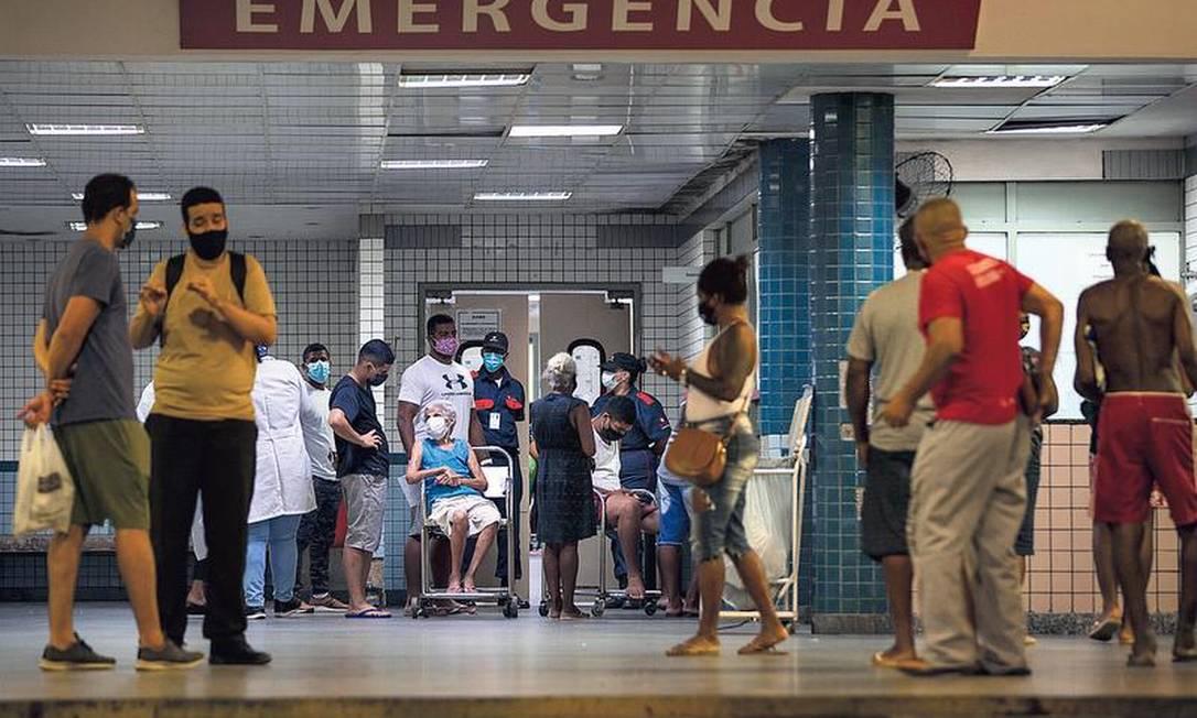 Hospital Salgado Filho, no Méier: alta demanda de pacientes com Covid e doenças crônicas, relegados a segundo plano no início da pandemia Foto: Alexandre Cassiano / Agência O Globo