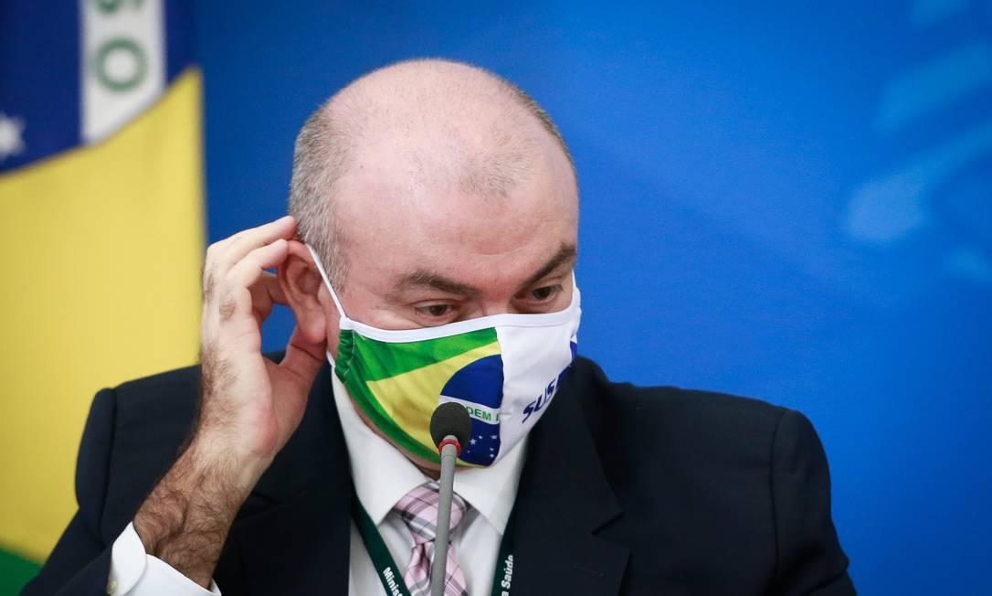 O secretário Arnaldo Medeiros afirmou que o Ministério da Saúde está 'avaliando a disponibilidade' de equipamentos que comportem imunização da Pfizer Foto: Pablo Jacob/27-6-2020