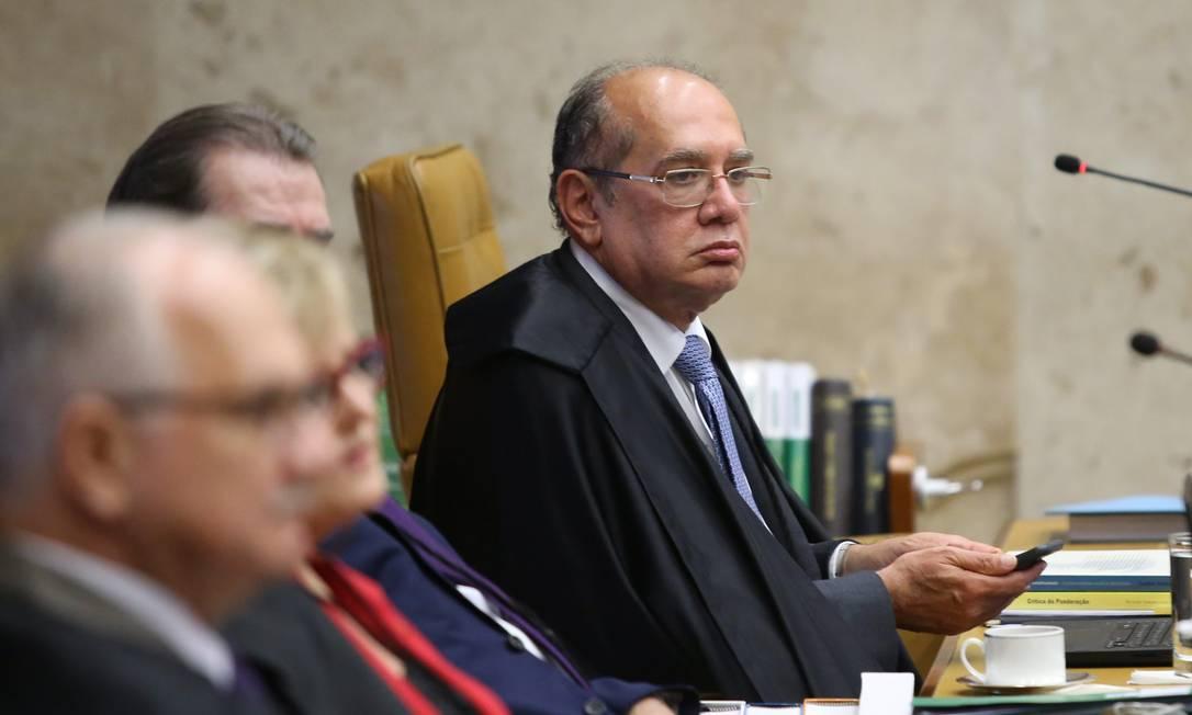 Ministro Gilmar Mendes, relator da ação sobre reeleição nas presidências da Câmara e do Senado, durante sessão do Supremo Tribunal Federal Foto: Ailton de Freitas / Agência O Globo