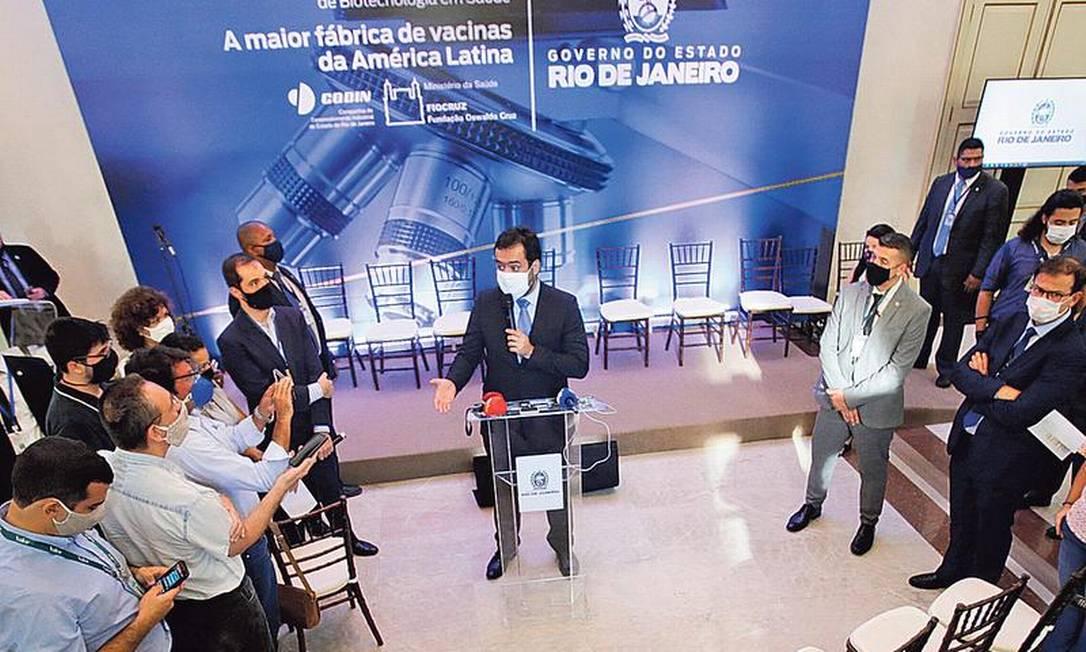 O governador em exercício Cláudio Castro: medidas que população não vai seguir não adiantam Foto: Antonio Scorza / Agência O GLOBO