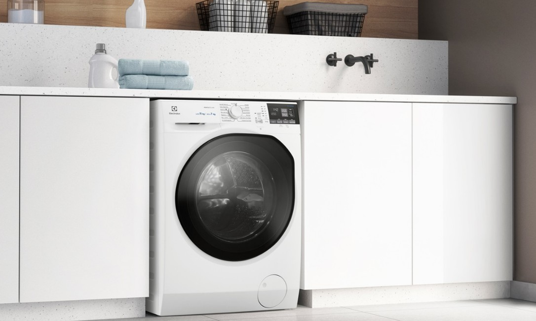 Na hora de escolher, considere lavadoras convencionais e máquinas lava e seca, que são mais caras, mas economizam água e têm mais funções Foto: Reprodução/Electrolux