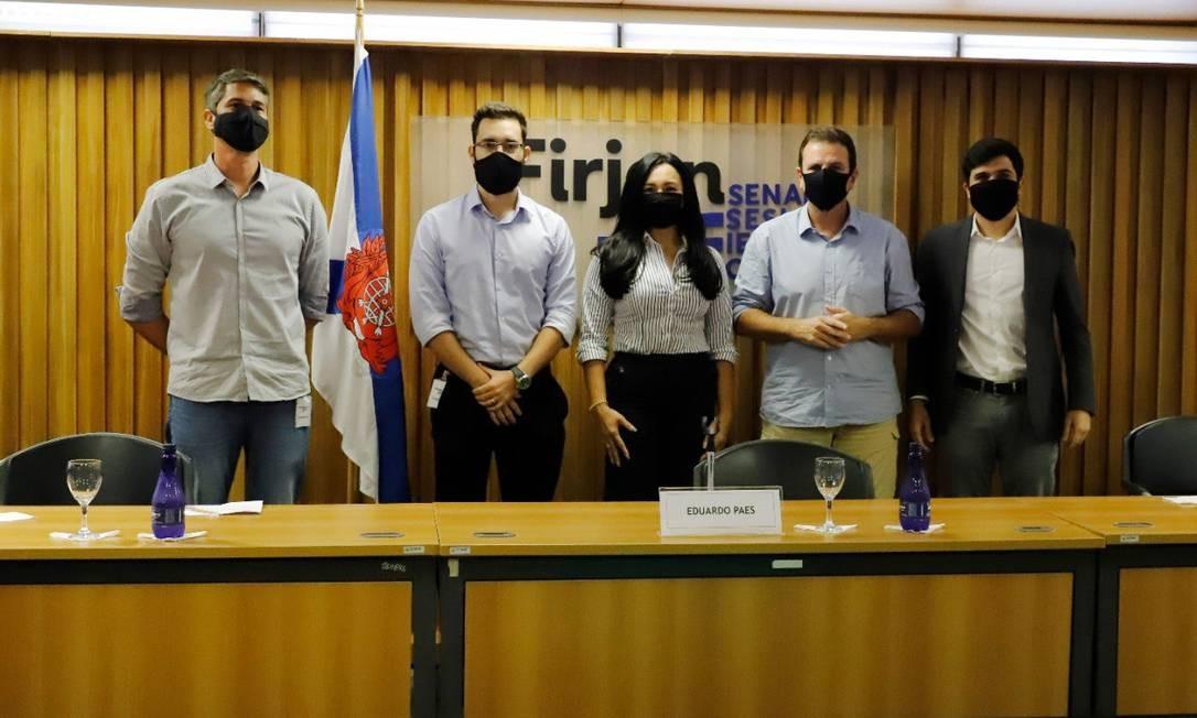 Da esquerda para direita: Bruno Ramos, Raphael Lima, Paes, Kátia Souza e Renan Ferreirinha Foto: Beth Santos/Divulgação