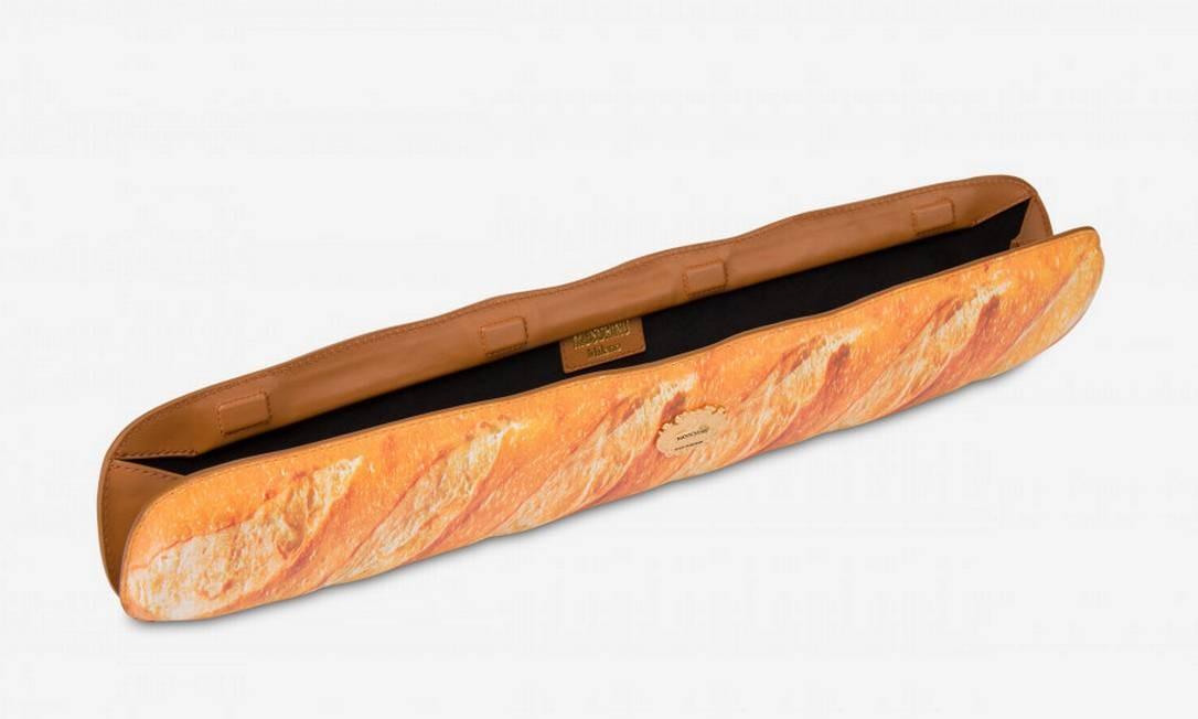 Detalhe da bolsa em formato de pão criada pela Moschino Foto: Reprodução/Moschino.com
