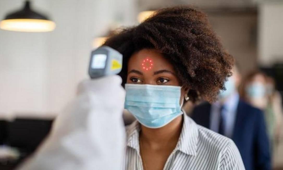 Casos de infecção são raros e a maioria dos pacientes que tiveram Covid-19 possuem uma imunidade que dura ao menos seis meses Foto: Getty Images