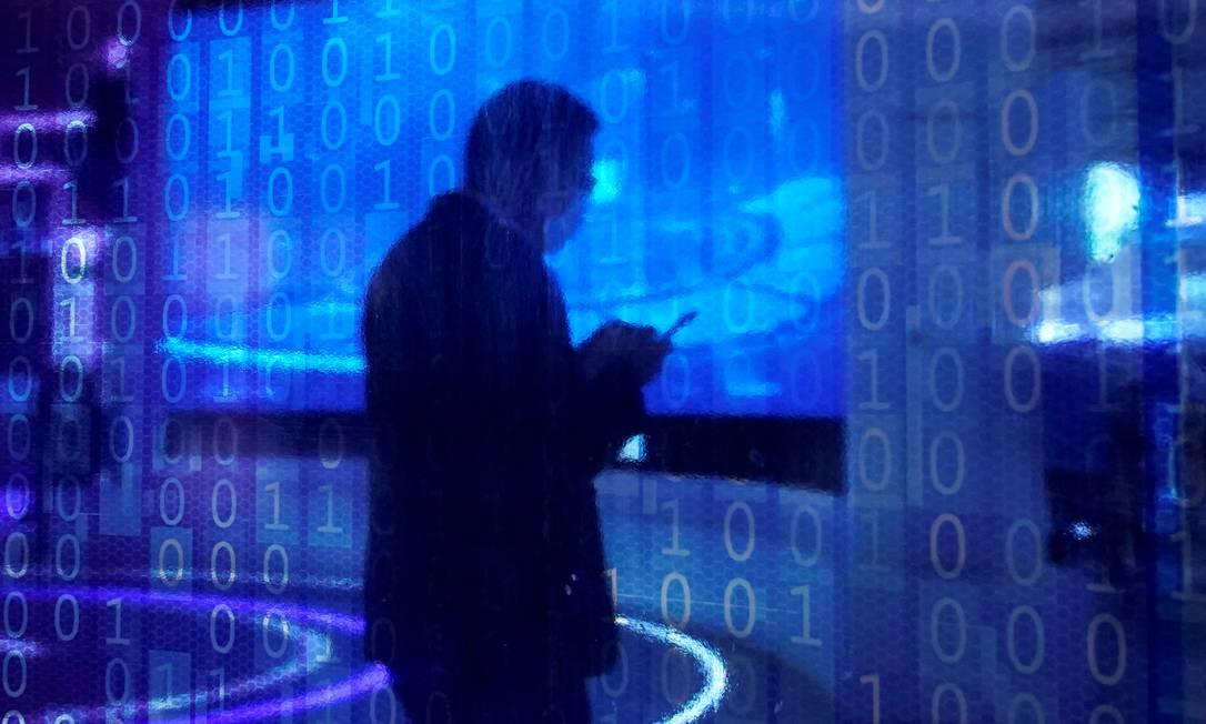 Contágio virtual. Com a pandemia e a massificação do trabalho remoto, criminosos digitais têm agora mais oportunidades para ataques Foto: ALY SONG / REUTERS