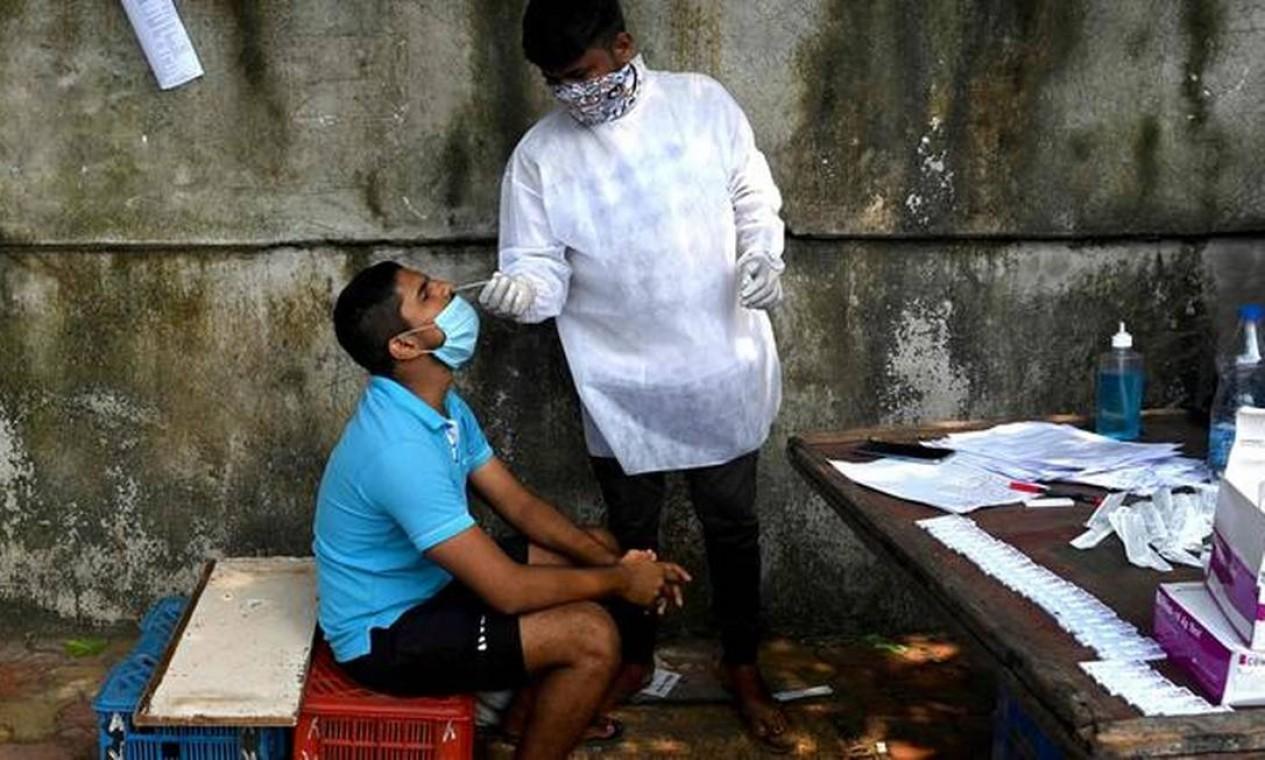 Doença misteriosa apareceu em meio a crise sanitária na Índia; país é o segundo com mais casos de Covid-19 no mundo Foto: AFP