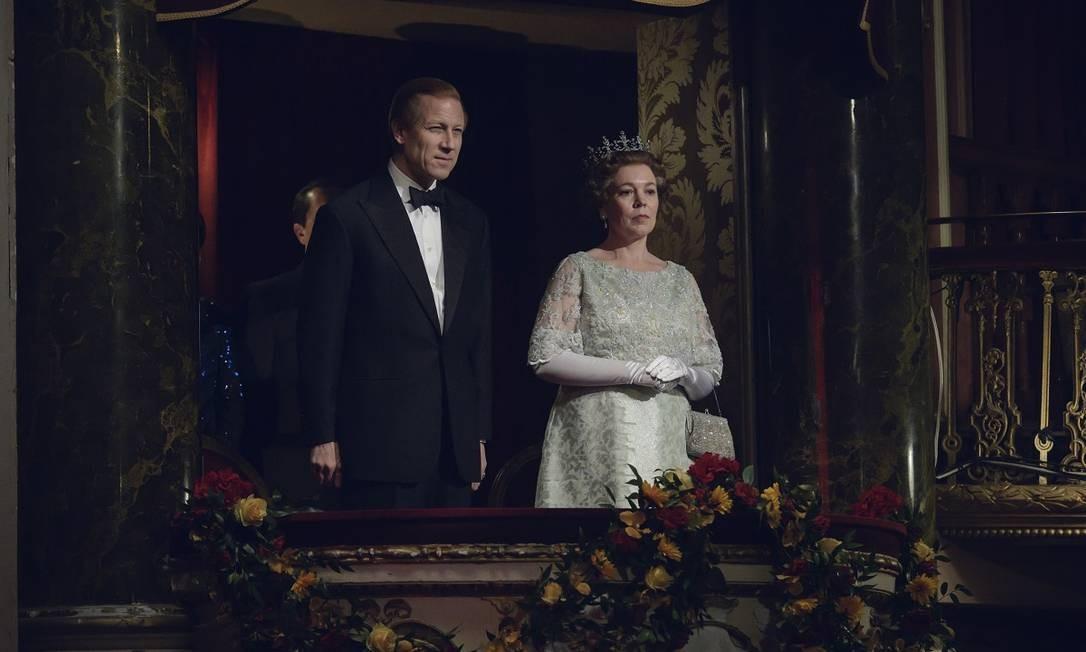 Príncipe Philip (Tobias Menzies) e Elizabeth II (Olivia Colman) Foto: Alex Bailey/Netflix
