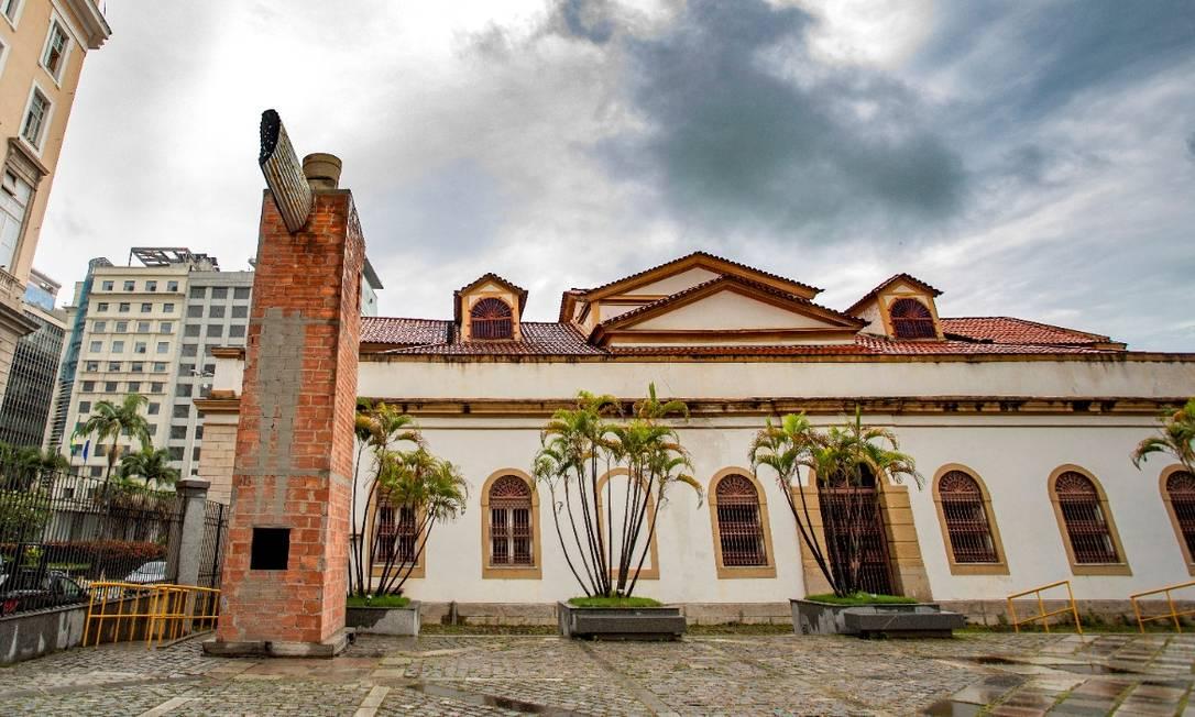Obras da torre estão paralisadas por determinação do Iphan Foto: Ana Branco