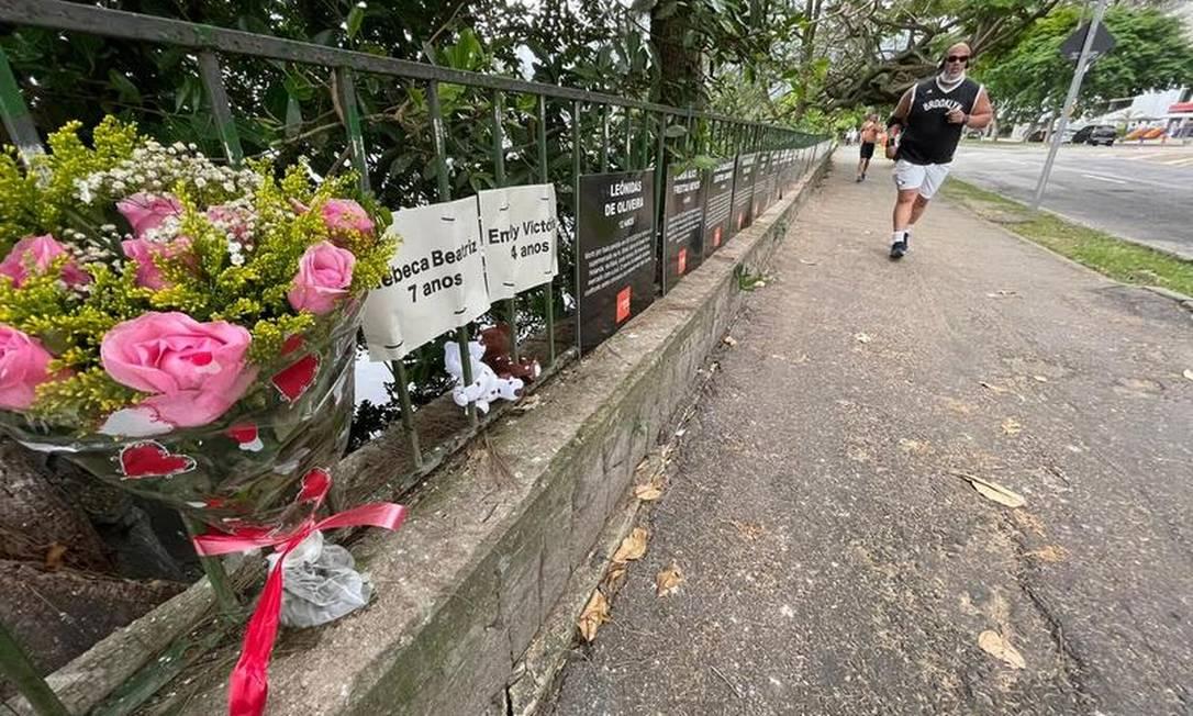 Comoção. Na Lagoa, flores homenageiam Rebeca e Emilly em instalação que lembra vítimas de violência no Rio Foto: Reprodução