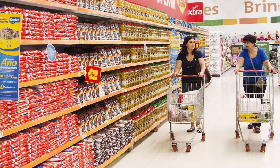 Marcas próprias são de 5% a 30% mais baratas que as marcas convencionais Foto: Ana Branco / Agência O Globo