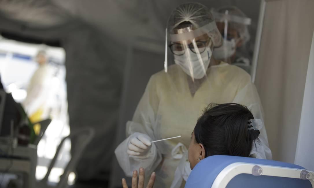 Governo do Estado inicia testagem em massa do exame de PCR para Covid-19 em São Gonçalo Foto: Márcia Foletto / Agência O Globo