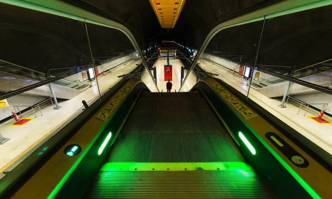 A estação General Osório do Metro, no Rio, é vista vazia durante os primeiros dias do isolamento social por causa da pandemia de Covid-19 Foto: Leo Martins / Agência O Globo - 24/03/2020