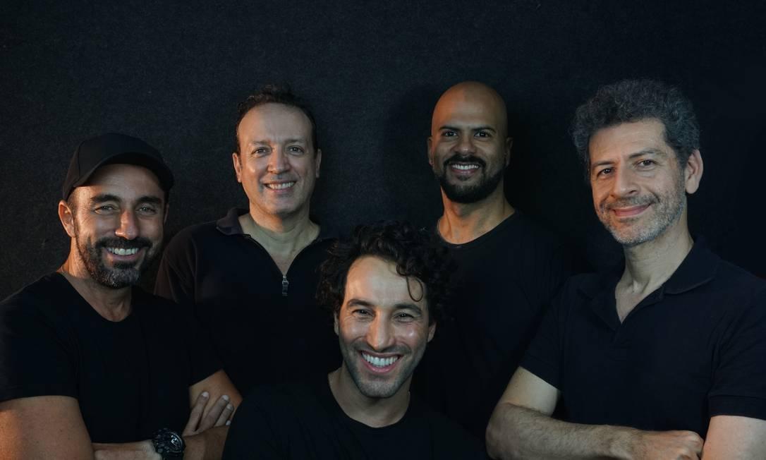 Tecnologia. Músicos da banda Salvadores Dali: novo EP foi gravado de maneira remota Foto: divulgação/guilherme logullo