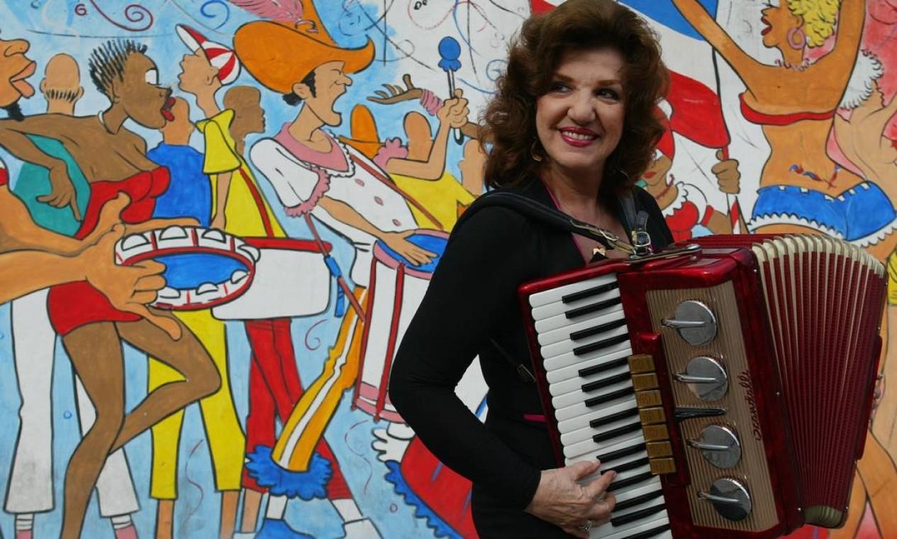A cantora e atriz Adelaide Chiozzo, famosa intérprete de 'Beijinho doce', morreu aos 88 anos, em 4 de março. A causa do falecimento foi uma tromboembolia pulmonar Foto: Berg Silva /