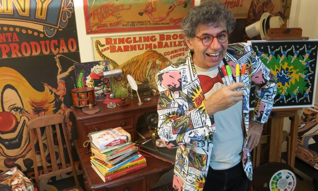 O artista plástico e desenhista Daniel Azulay faleceu em 27 de março aos 72 anos. Ele estava se tratando se leucemia e contraiu Covid-19. Foto: Rodrigo Berthone /
