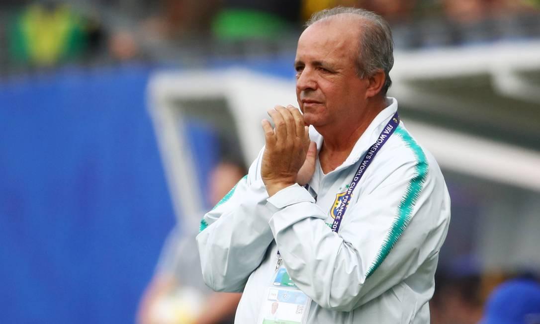 25/05 - Vadão, técnico de futebol, aos 63, de câncer no fígado Foto: DENIS BALIBOUSE / Reuters