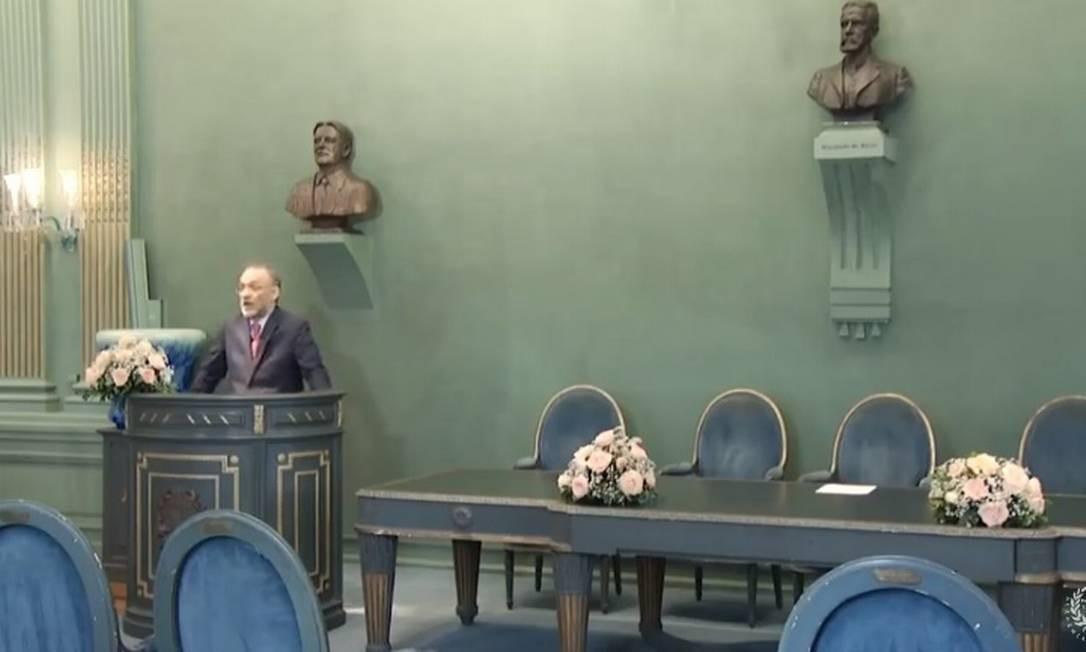 Marco Lucchesi em seu discurso de posse para o mandato de 2021: transmissão online Foto: Reprodução