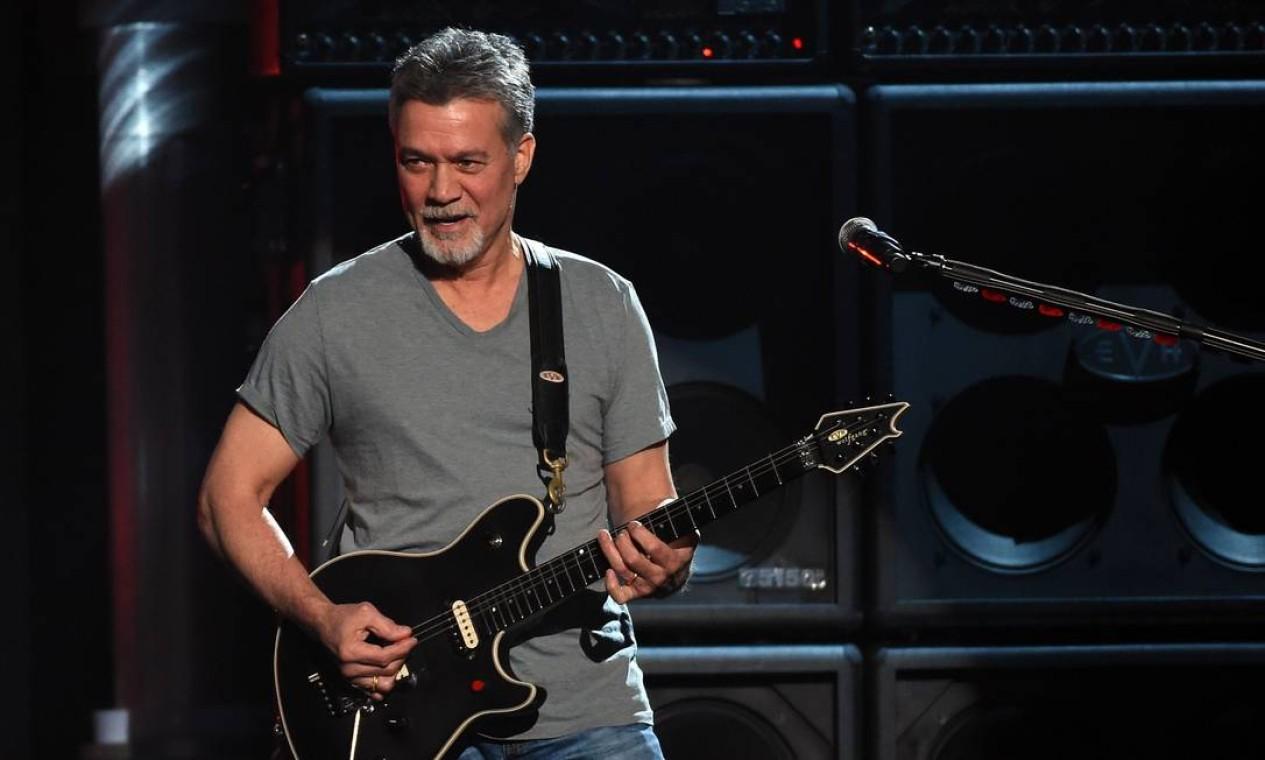 Eddie Van Halen, guitarrista da banda Van Halen, morreu de câncer aos 65 anos, no dia 6 de outubro Foto: Ethan Miller / AFP