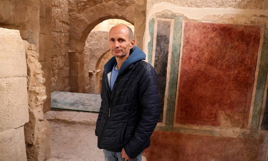 Roi Porat, arqueólogo da Universidade Hebraica de Jerusalém e chefe das escavações do Herodium, comparou as recentes descobertas na Cisjordânia às ruínas de Pompeia, no sul da Itália Foto: MENAHEM KAHANA / AFP