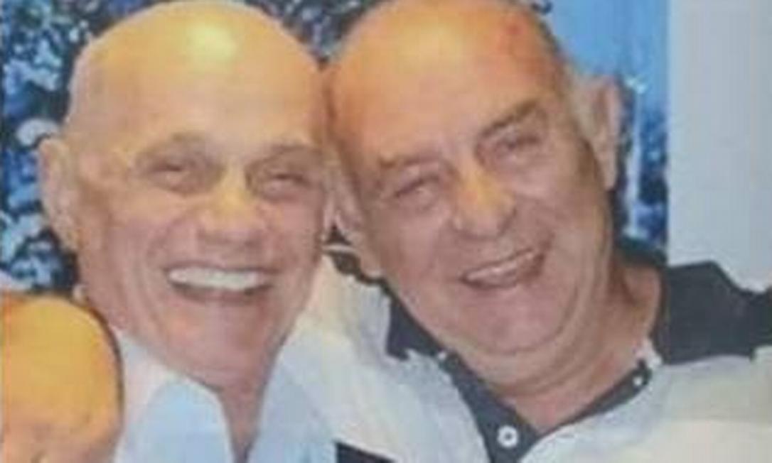 Vereador eleito Carlos Boechat (dir.), ao lado do irmão, jornalista Ricardo Boechat (esq.), morto no ano passado após tragédia em SP Foto: Reprodução