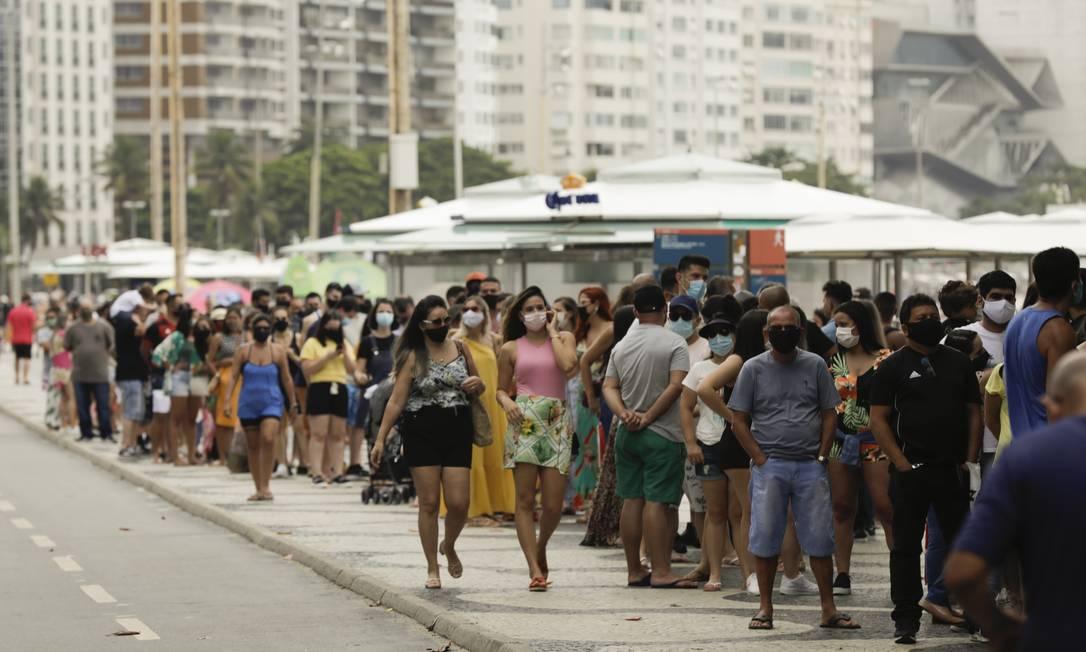 RI Rio de Janeiro (RJ) 13/12/2020 - Pandemia de coronavírus : cariocas e turistas fazem fila para entrar no Forte de Copacabana.Foto de Gabriel de Paiva/ Agência O Globo Foto: Gabriel de Paiva / Agência O Globo