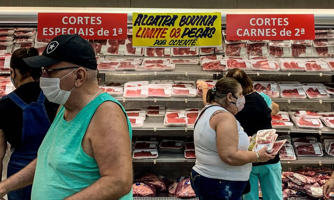 Nos supermercados, fim de ano com 13º e mais refeições em casa freiam em feito da redução do auxílio emergencial nas vendas Foto: Brenno Carvalho/10-9-2020 / Agência O Globo