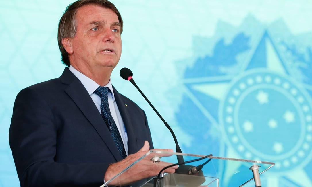 Bolsonaro assina MP liberando R$ 20 bilhões para compra de vacinas contra Covid-19 - Jornal O Globo