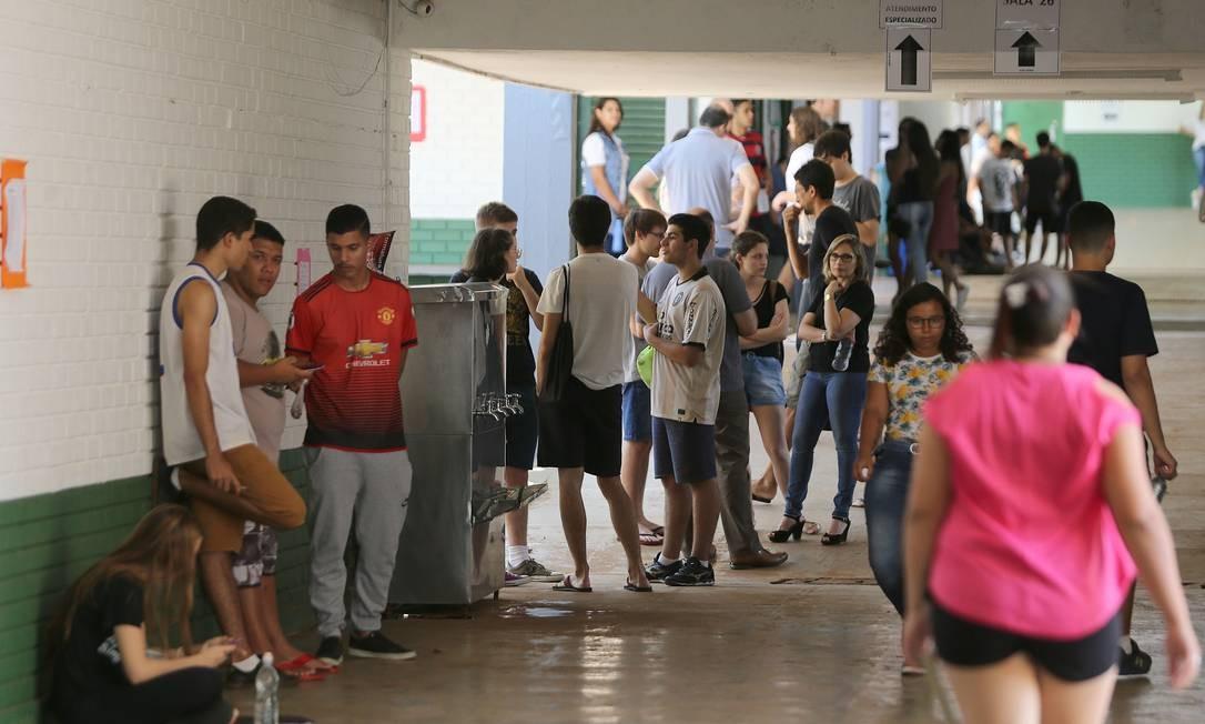Alunos que fizeram o Enem 2019 poderão concorrer às bolsas do Prouni Foto: Jorge William / Agência O Globo