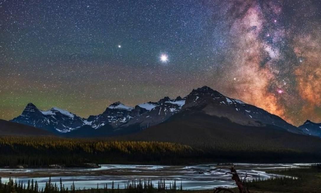 Ponto mais brilhante é Júpiter Foto: Getty Images