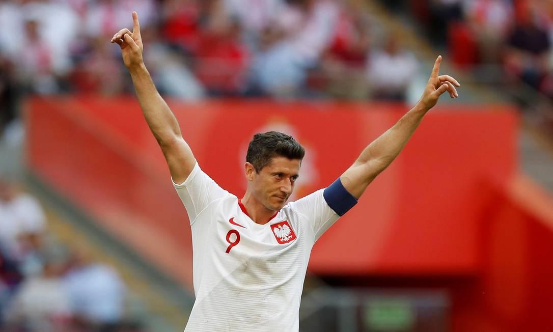 Robert Lewandowski comemora seu segundo gol na partida entre Polônia e Lituânia, realizada em Varsóvia, em 2018 Foto: KACPER PEMPEL / Reuters