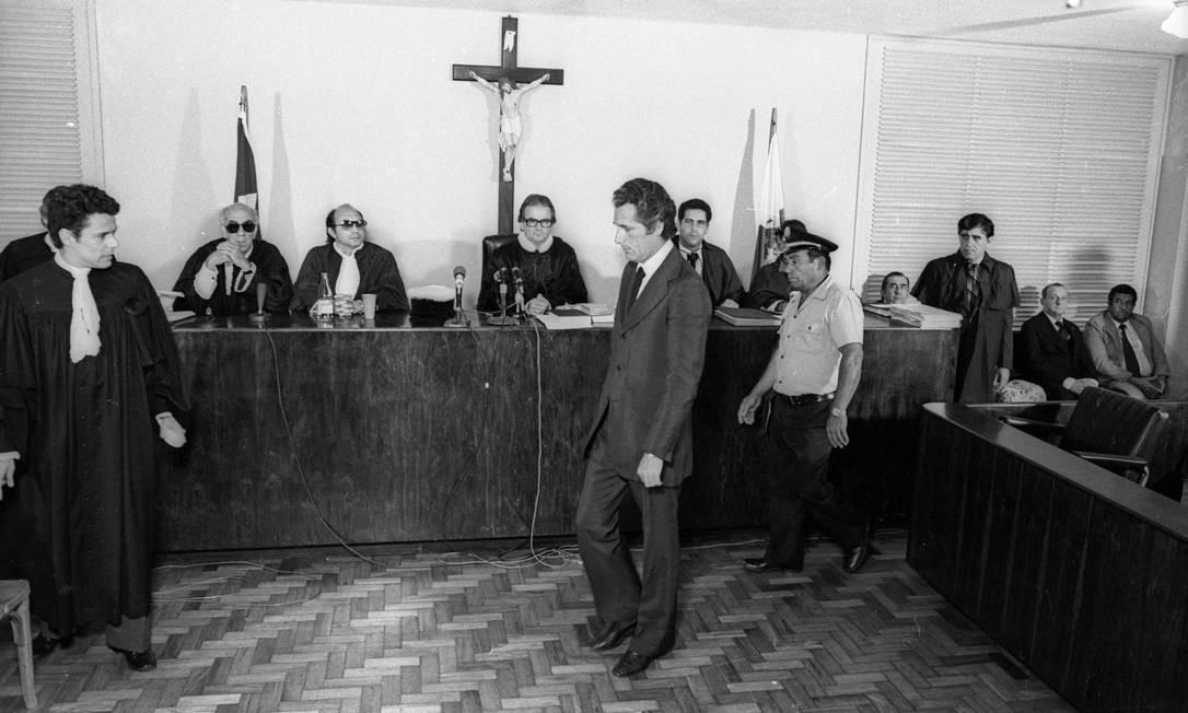 """Julgamento de Doca, em outubro de 1979. Tese da """"legítima defesa da honra"""" deu a ele condenação de dois anos, com direito a sursis Foto: Sebastião Marinho / Agência O Globo"""