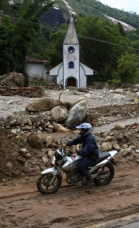 Destruíção na localidade de Campo Grande, em Teresópolis Foto: Bruno Gonzalez / Agência O Globo - 19/01/2011