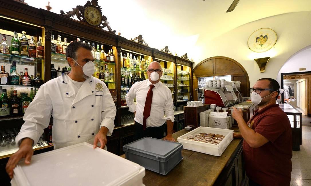 O interior do Caffè Florian, o mais antigo de Veneza Foto: ANDREA PATTARO / AFP