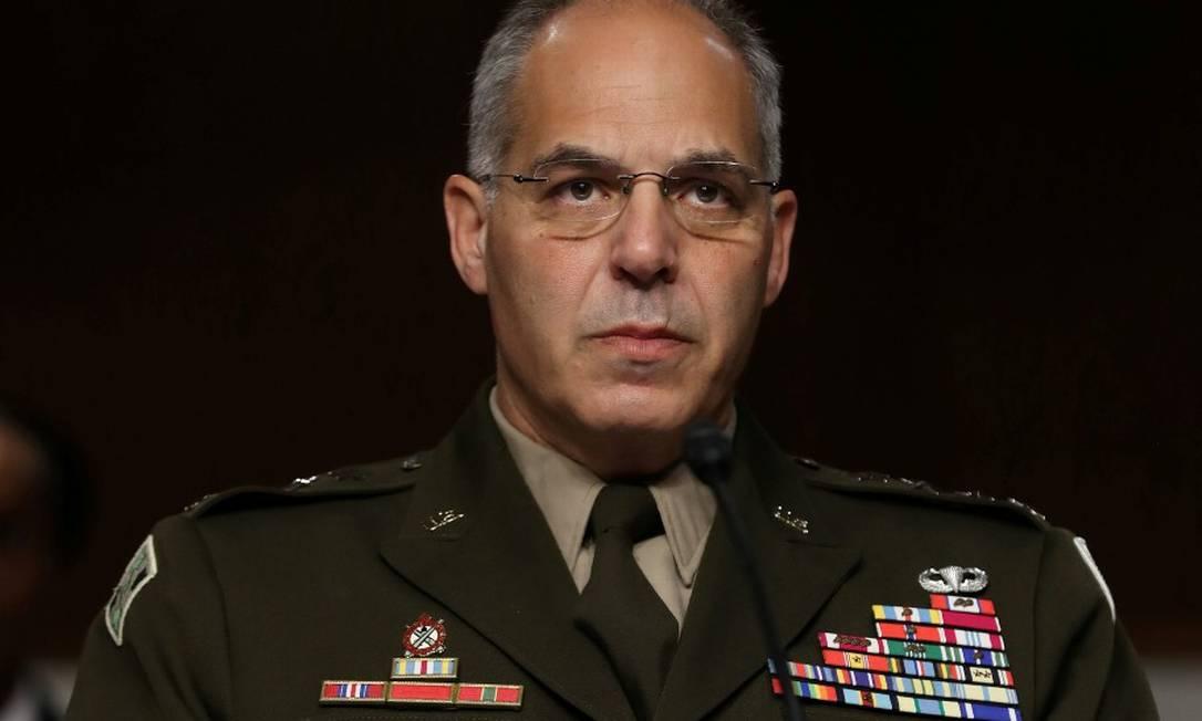 O general Gustave Perna, chefe da Operação Warp Speed, que coordena os esforços pela vacinação contra a Covid-19 nos EUA Foto: POOL New / REUTERS