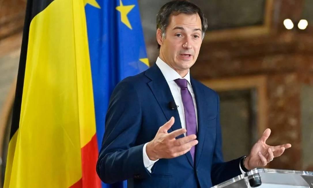 Alexander De Croo anunciou suspensão de voos e viagens de trem provenientes do Reino Unido Foto: AFP