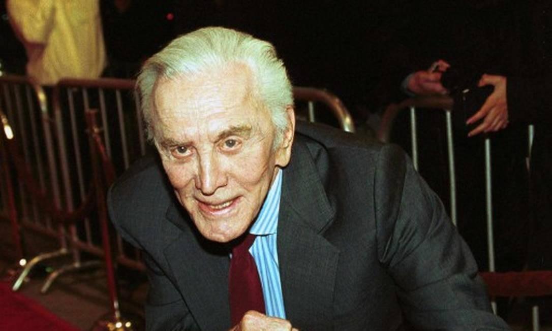 Em 5 de fevereiro, o ator Kirk Douglas morreu aos 103 anos. A causa não foi revelada pela família Foto: AFP PHOTO/JIM RUYMEN