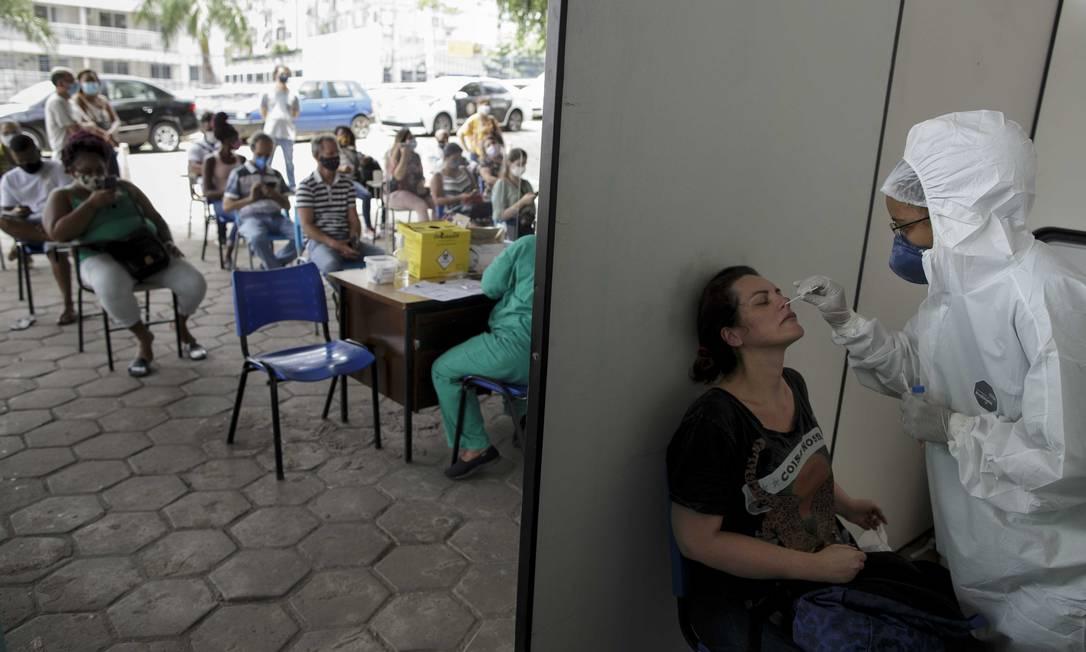 Posto de testagem de PCR e testes rápidos para Covid-19 da Policlínica Piquet Carneiro, da UERJ Foto: Márcia Foletto / Agência O Globo