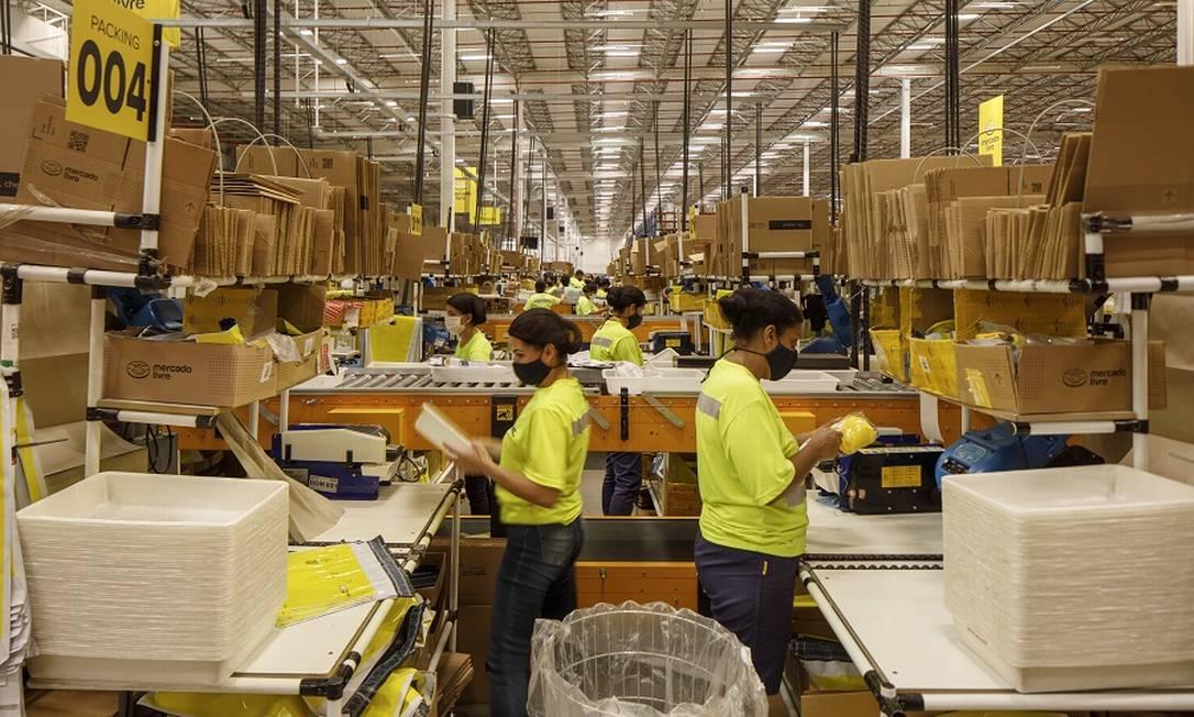 Centro de distribuição do Mercado Livre, em São Paulo; aumento nas vendas pela internet Foto: Caio Guatelli / Agência O Globo