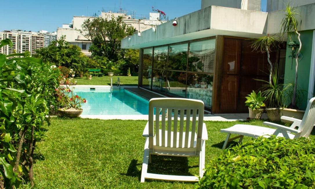O jardim com piscina da cobertura Foto: Divulgação / HM Top Real Estate