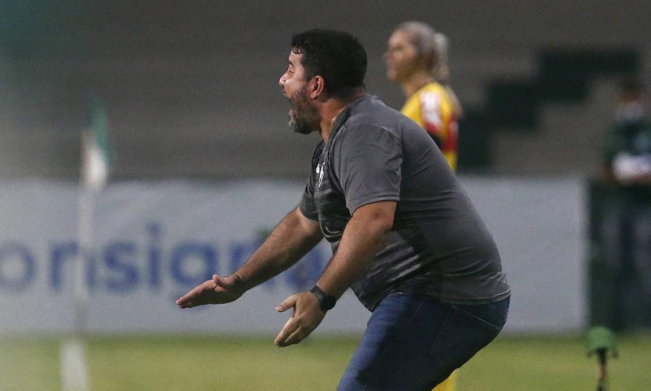 EDUARDO BARROCA (CORITIBA) - 4ª RODADA: Barroca foi o primeiro treinador demitido do Brasileiro 2020. Durou cerca de oito meses no cargo Foto: Vitor Silva/Botafogo