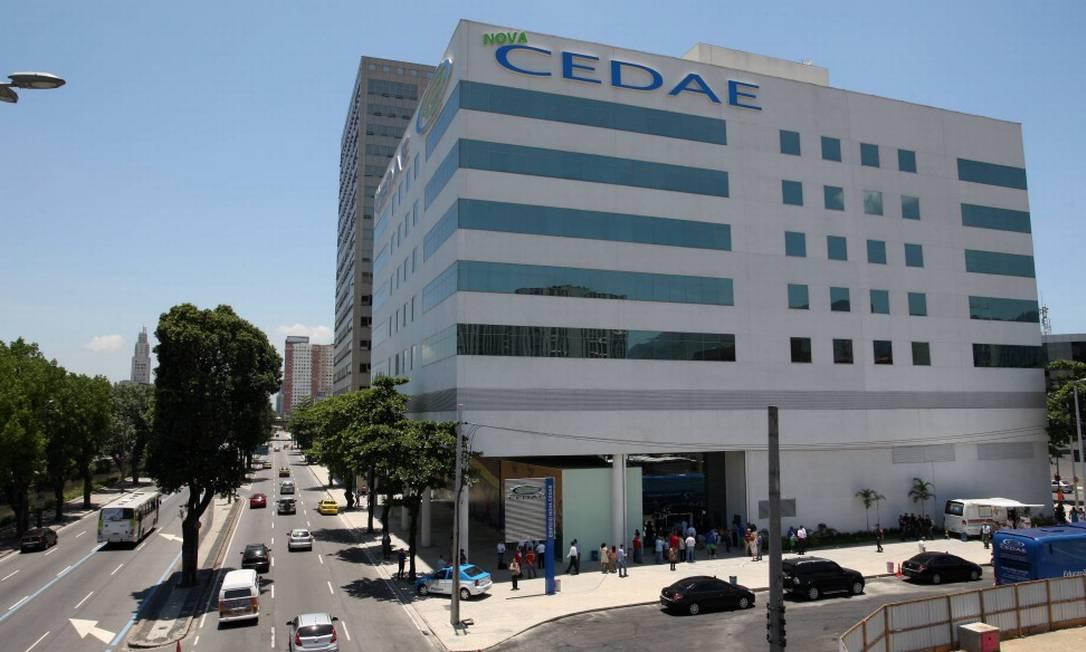 Pelo edital da Cedae, segundo Trata Brasil, reajuste só pela inflação Foto: Guilherme Pinto 05-12-2012 / Agência O Globo